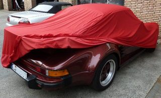 Car-Cover Satin Red für Porsche 911 mit Turbo Flügel
