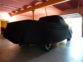 Schwarzes AD Mikrokontur Pick-Up Car-Cover 546x198x147cm.