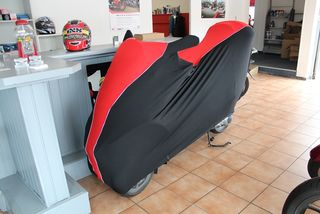 Perfect tailored motorcycle protective cover with mirror pockets for Piaggio MP3 250