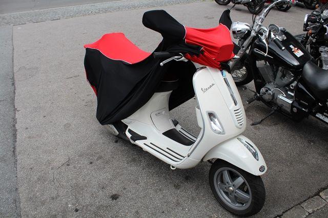 passform motorrad schutzh lle mit spiegeltaschen f r vespa roller. Black Bedroom Furniture Sets. Home Design Ideas